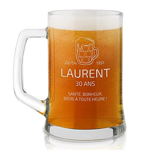 Maverton Chope à Bière Gravée de 50 cl – Verre à Bière personnalisé avec Anse - Cadeau gravé pour les Amateurs de Bière – Cadeau d'anniversaire pour chaque homme - santé