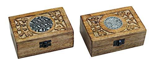 Sieradenkist model India van hout met houtsnijwerk en oosterse vormen op de deksel zwart/zilver