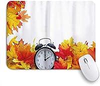 ZOMOY マウスパッド 個性的 おしゃれ 柔軟 かわいい ゴム製裏面 ゲーミングマウスパッド PC ノートパソコン オフィス用 デスクマット 滑り止め 耐久性が良い おもしろいパターン (時計紅葉と目覚まし時計秋シーズンロマンチックなデジタル)