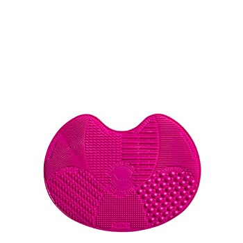 Sigma Beauty Spa Express Silicone Brush Cleaning Mat and Portable Washing Tool Scrubber Helps Clean Makeup and Cosmetic Brushes