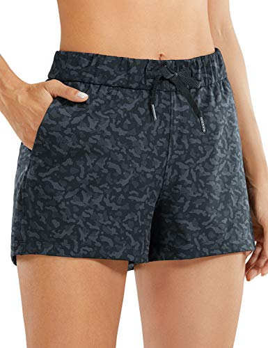 CRZ YOGA Damen Sporthose Laufshorts Relaxed Fit Mittelhohe Shorts mit Tasche-6cm Leopard Multi Grey 34