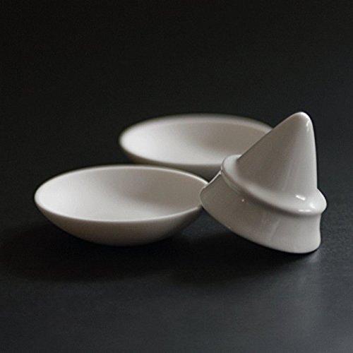 お試し価格 盛り塩 (盛塩) セット 皿2枚付き 盛り塩固め器:D4.5xH4.2cm 2寸皿x2:D6.1xH1.5cm 神具 神道 神棚 お供え