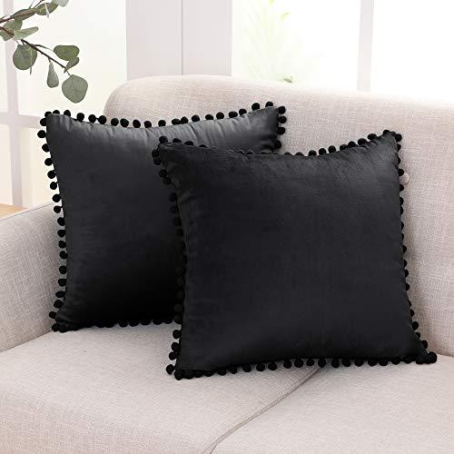Deconovo Fundas Cojines Terciopelo Decorativa Hogar Almohadas con Pelota para Sofás Dormitorio Pack de 2 45 x 45 cm Negro