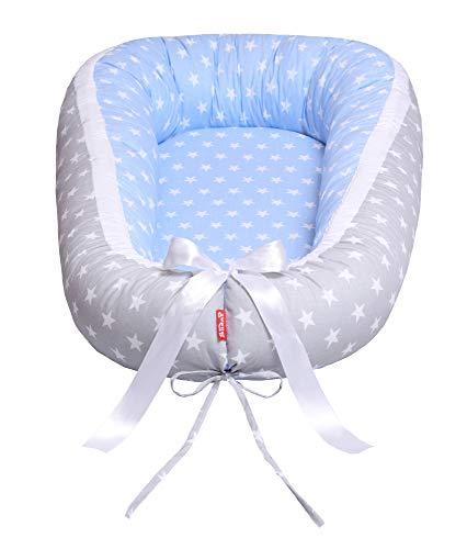 VON 29,9 EUR Scamp Premium Babynest für Babys, Säuglinge, Reisebett, antiallergisch, 100 {5b3a5d07c7ac2d2affc9f3e94b90c904d4089beea56c755dcf1e363ba2f9959e} Baumwolle, Öko-Tex 100 Standard, mit Schaumstoffmatratze (Blue Grey Stars2)