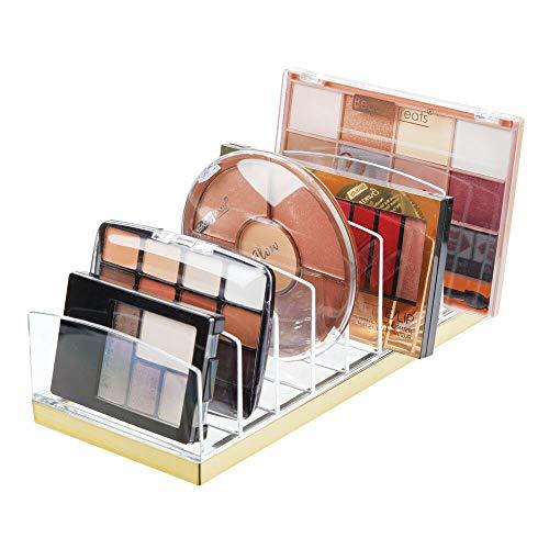 mDesign Kosmetik Organizer aus Kunststoff – Schminkaufbewahrung mit 9 Steckplätzen – Aufbewahrungsbox für den Waschtisch, Schminktisch oder Schrank – durchsichtig und messingfarben