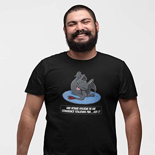 Okiwoki T-Shirt Noir Dragons parodique Krokmou Le Dragon : Une Bonne hygiène de Vie Commence Toujours par.soi ! (Parodie Dragons)