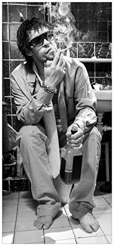 Wallario Türtapete Türposter Kloparty - Sexy Mann auf Toilette mit Zigarette SW - Größe 93 x 205 cm