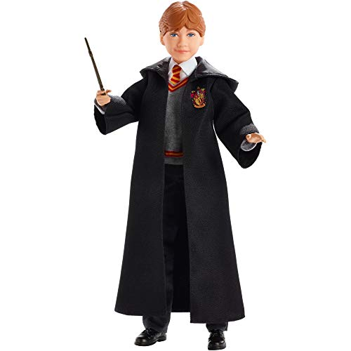 Harry Potter Poupée Articulée Ron Weasley de 26 cm en Uniforme Gryffondor en Tissu avec Baguette Magique, à Collectionner, Jouet Enfant, FYM52