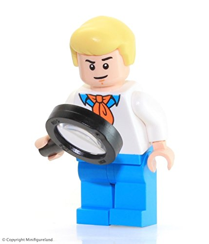 LEGO Scooby-Doo Minifigure - Fred Jones from Mystery Machine (75902)...