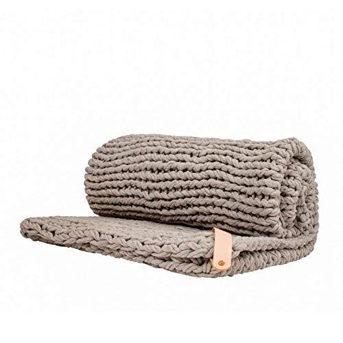 Adorist Chunky Knit Kuscheldecke Juna 80x130cm - Strickdesign im skandinavischen Stil - Strickdecke grob -Ideal als : Sofadecke - Überwurf fürs Bett/Sofa - Bettüberwurf - Plaid- Scandi Grey hellgrau