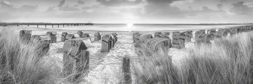 Voss Fine Art Photography Leinwandbild 240 x 80cm. Strandkoerbe im Sonnenaufgang am Strand von Scharbeutz. Schwarz-weiß Bild. Panorama Foto als Leinwand Wandbild.