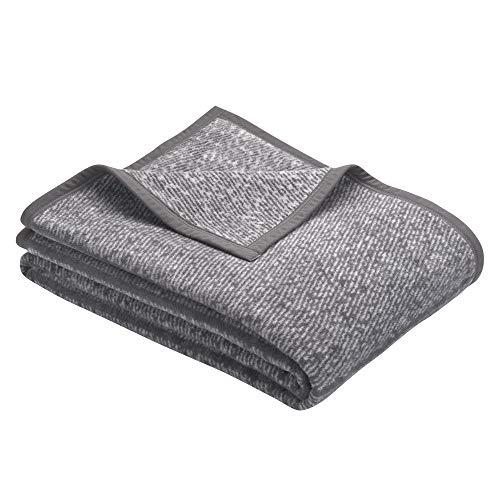 BUGATTI 3238 Kuscheldecke 150x200 cm, Wolldecke dunkelgrau, Tagesdecke aus pflegeleichter Baumwollmischung, kuschelig weich