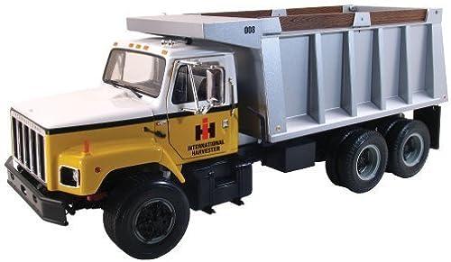 1 25  S Series Dump Truck by First Gear