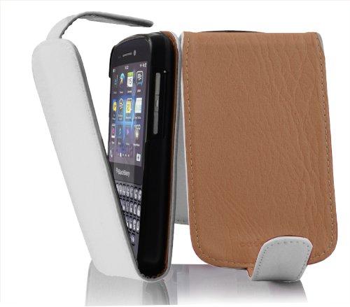 Cadorabo Hülle für BlackBerry Q10 in Magnesium WEIß - Handyhülle im Flip Design aus Strukturiertem Kunstleder - Hülle Cover Schutzhülle Etui Tasche Book Klapp Style