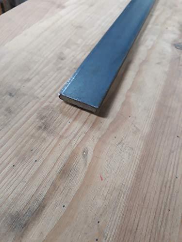 Pletina de hierro de 30 mm. de ancho en 6 milimetros de espesor 1 metro de largo. SIN PINTAR.