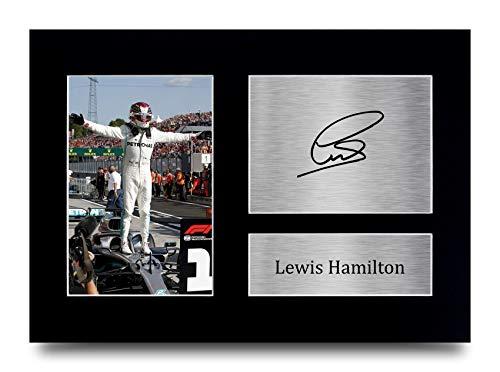 HWC Trading Lewis Hamilton Signiertes Autogramm A4 Mercedes F1 Geschenke Druck Foto Bild Display (ungerahmt) Lewis Hamilton Celebration)