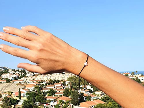 Pulsera de España Tamaño Ajustable de Cordón de Nailon con Un Pequeño Сorazón o Estrella Incluye una Bolsa de Organza Hecho a Mano en España (Negro Plata, Cruz)