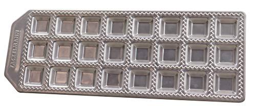 Fackelmann 40927 Stampo per Realizzare Ravioli Fatti in casa, Forma Quadrata 24 Impronte. 34 x 11,5 x 2 cm, Sybaris, (Colore: Argento), quantità: 1 Pezzo, Alluminio pressofuso