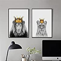 北欧の黒と白の動物の写真ライオンの身に着けている王冠のキャンバスの絵画の装飾のポスターリビングルームの壁の芸術キッズルーム70x90cm(27.6x35.4in)x2Pcs 内枠