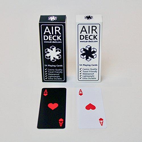 Air Deck 2er SET SCHWARZ WEISS - Spielkarten für Unterwegs - Premium Qualität langlebiges PVC wasserfest waschbar hochwertiger Druck Plastikkarten strapazierfähig Pokerkarten 52er Deck Kartenspiel