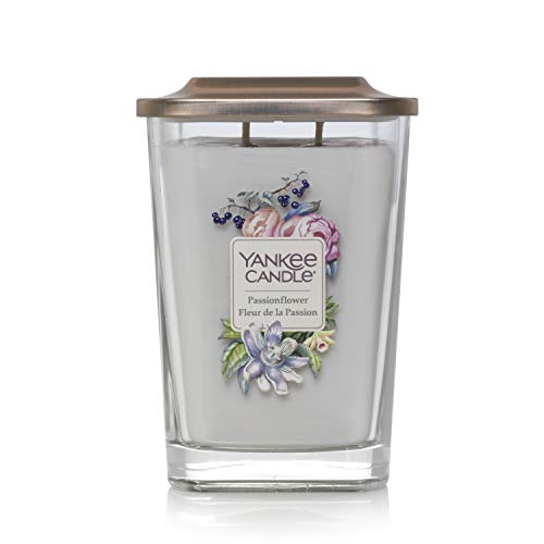 Yankee Candle - Colección Elevation con Tapa de Plataforma, Vela Aromática Grande Cuadrada de 2 Mechas, Madera Aterciopelada