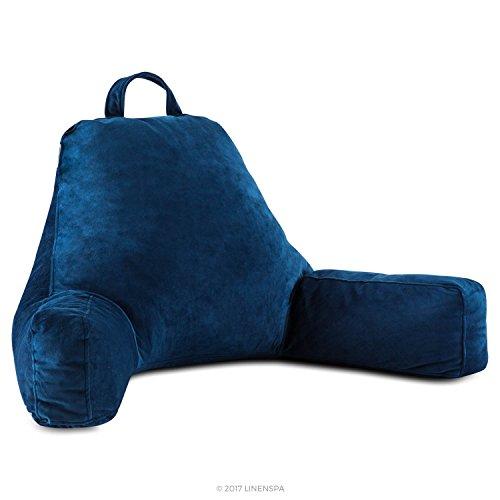 Almohada de espuma triturada cubierta de velvetón suave Linenspa, diseño extra largo para adultos, perfecta para soporte en la espalda mientras se relaja, juega, lee o mira televisión, color marino