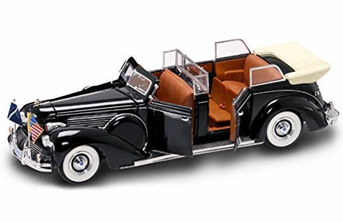 Road Signature 1939 Ford Lincoln Sunshine Special Convertible Limousine w/ Flags 24088 - 1/24 Scale Diecast Model Car
