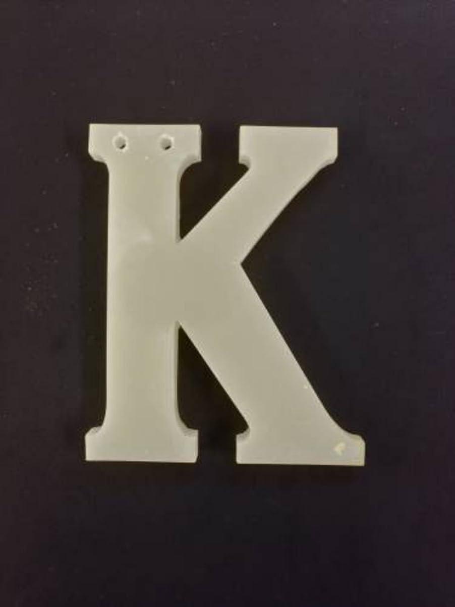 メナジェリー変数イヤホンGRASSE TOKYO AROMATICWAXチャーム「K」(WH) スイートマジョラム アロマティックワックス グラーストウキョウ