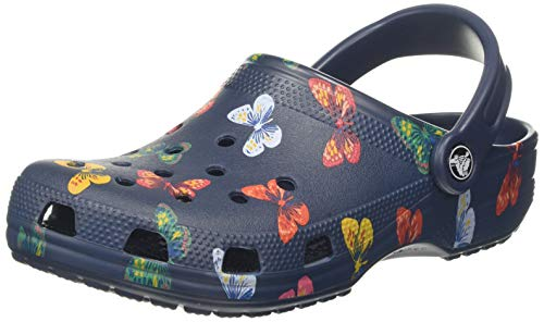 Crocs Classic Vacay Vibes Clog, Zuecos Unisex Adulto, Multicolor (Butterfly 92z), 46/47 EU