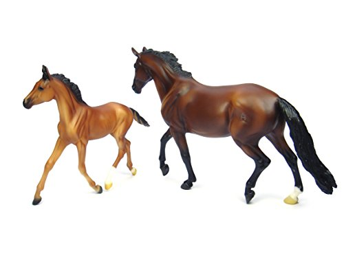 Breyer Traditional Series GG Valentine & Heartbreaker | 2 Horse Set | Model Horse Toy | 1:9 Scale | Model #1474