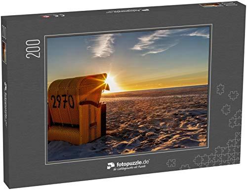 fotopuzzle.de Puzzle 200 Teile Strandkorb auf der ostfriesischen Insel Juist in der Nordsee, Deutschland, im Abendlicht vor Sonnenuntergang (1000, 200 oder 2000 Teile)