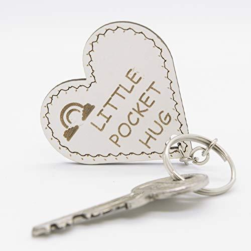 Humse® Schlüsselanhänger mit Liebevollen Gravur Text aus Holz, Freundschaftsgeschenk (HERZ-form)