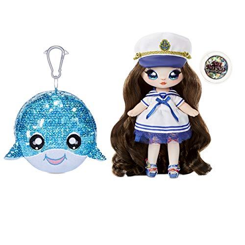 Na! Na! Na! Surprise 573753EUC 2-in-1 Fashion Funkelnde Pailletten Pom Geldbörse Sparkle Serie-Sailor Blu, 19 cm Matrosen-Puppe
