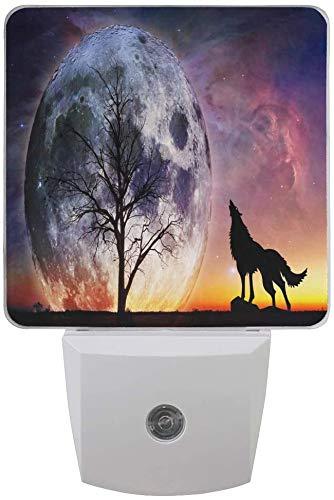 1 paquete Wolf Moon Galaxy Nebula Tree LED Night Light Dusk to Dawn Sensor Plug in Night Home Decor Desk Lamp for Adult