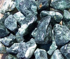 Saco Piedra Jardin Canto RODADO Verde macael 20-40 MM 20 KG