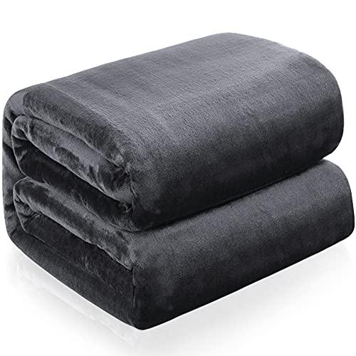 RATEL Kuscheldecke grau 150 × 200cm, Weiche Flauschige Plüsch Decke, Flanell Fleecedecke TV-Decken/Sofadecke/Wohndecke/Mikrofaser Couchdecke/Samtdecke - Pflegeleicht - Warm, Gemütlich, Langlebig