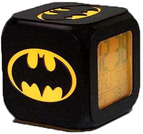 Radio-réveil Batman Réveil Horloge 3D Stereo Mute LED Nuit Light Horloge électronique Seven Colors Fashion Creative USB Réveil de Charge