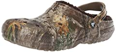 COOL CAMO COMFORT: Country cabin-dwellers and urbanites alike will appreciate the Realtree Edge Lined Crocs for men and women with soft, fuzzy liners for more cushion and comfort with these slipper-like shoes CAMO CLASSIC LINED FIT: Cozy camo clogs w...