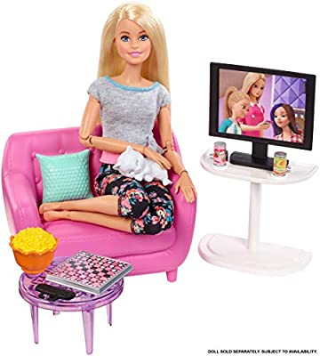 Barbie Indoor Furniture Playset, Living Room Includes Kitten, Furniture and Accessories for Movie and Game Night