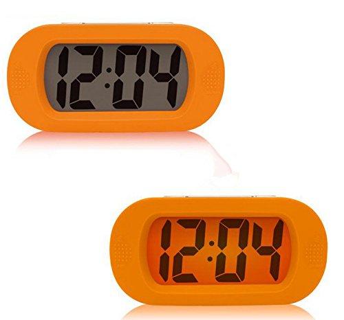 Moon mood Réveil Silencieux, Digital Alarm Clock, Snooze Réveil Simple Numérique Horloge Alarme Progressive LCD Batteries Lumineuses Coque en Silicone Enfants Cadeaux pour École Maison (Orange)