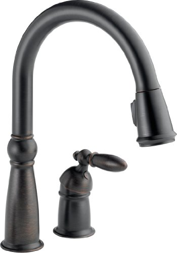 Delta Faucet Victorian Single-Handle Kitchen Sink Faucet with Pull Down Sprayer and Magnetic Docking...
