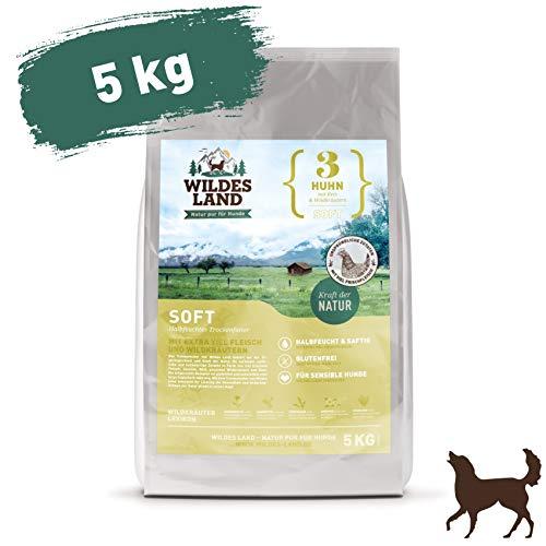 Wildes Land | Halbfeuchtes Trockenfutter für Hunde | Nr. 3 Huhn | 5 kg | mit Reis und Wildkräutern | Glutenfrei | Extra viel Fleisch | Soft Für alle Hunderassen | Beste Akzeptanz und Verträglichkeit