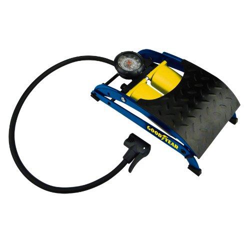 GOODYEAR 75524 Premium Fußluftpumpe, Doppelzylinder, Manometer bis zu 7 Bar, rutschsicheres Trittblech, Doppelkopfadapter