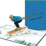 PaperCrush Pop-Up Karte Skifahrer [NEU!] - Handgemachte Gutscheinkarte für Skifahren, Gutschein für Skiurlaub oder Skischuhe - Lustige Ski Geburtstagskarte inkl. Umschlag
