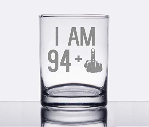 I Am 94 1 - Copa de cristal con diseño de rocas de dedo medio o antiguas frases grabadas 95 cumpleaños regalo para hombres y mujeres girando 95 boda fiesta de cumpleaños Navidad amante del vino