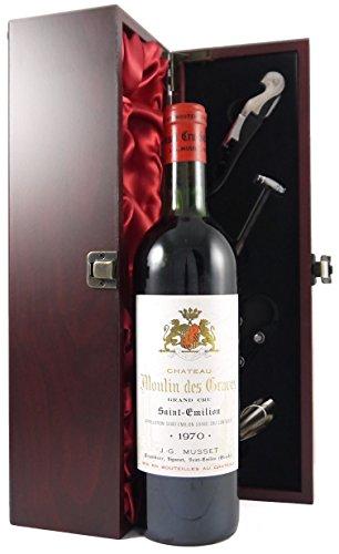 Chateau Moulin des Graves 1970 St Emilion Grand Cru in einer mit Seide ausgestatetten Geschenkbox. Da zu vier Wein Zubehör, Korkenzieher, Giesser, Kapselabschneider,Weinthermometer, 1 x 750ml