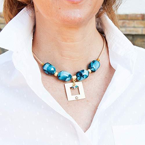 Collana corta per donna con sfere in resina e pendente quadrato. Girocollo cordino in pelle Collana Choker.Colore blu