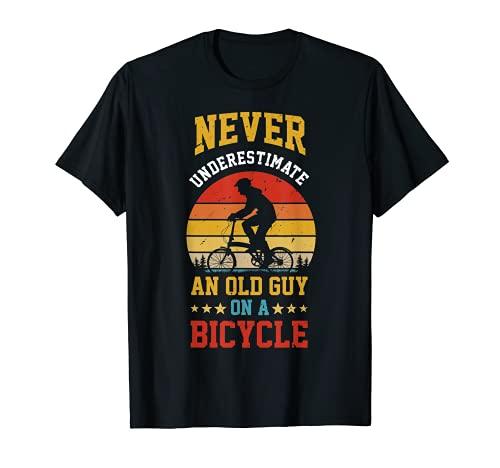 Nunca subestimar a un viejo en una bicicleta divertido ciclismo Camiseta