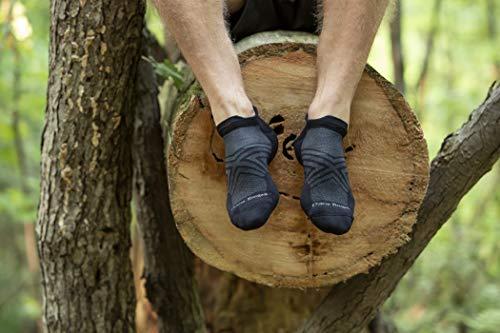 Darn Tough (Style 1039) Men's No Show Tab Ultra-Lightweight with Cushion Run Sock - black - Large