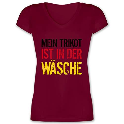 Fussball WM 2022 Fanartikel - Mein Trikot ist in der Wäsche EM Deutschland - M - Bordeauxrot - Deutschland Trikot Frauen wm 2018 - XO1525 - Damen T-Shirt mit V-Ausschnitt